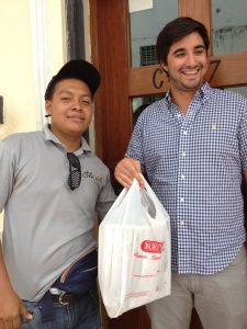 Samuel Palacio and customer