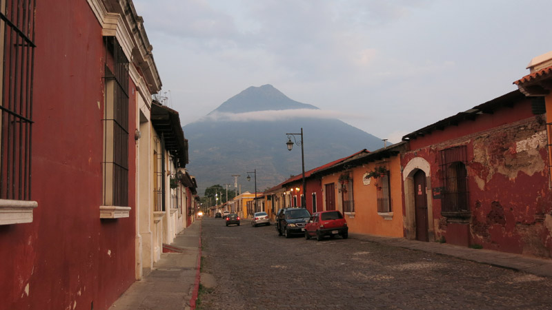 Coffee heaven, the beautiful colonial town Antigua, surrounded by 3 volcanoes!