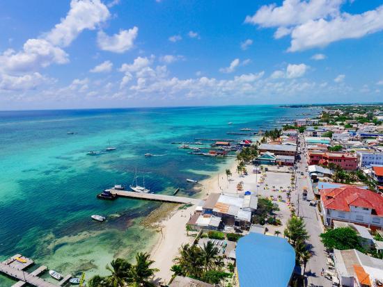 Belize underwater a natural marine oasis dave 39 s travel corner - Ambergris dive resort ...