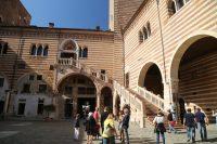 Romantic tour Verona: city of Romeo and Juliet