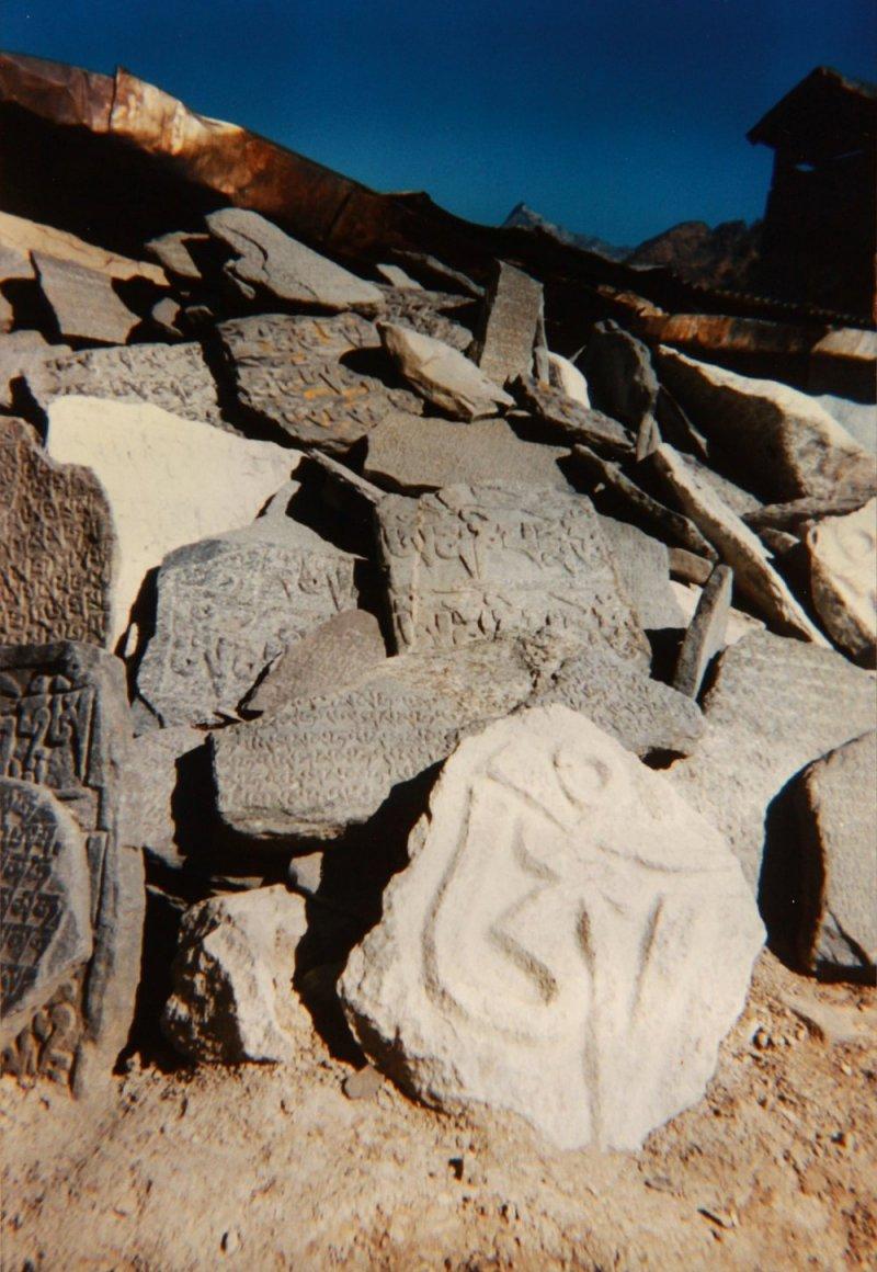 prayer-rocks-nepal