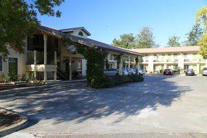 Americas-Best-Value-Inn-Suites (2)