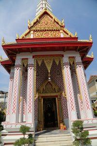 crocodile-temple-bangkok-2