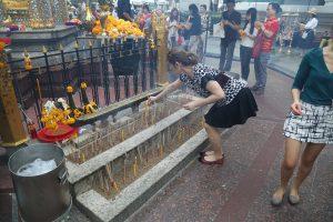 erawan-shrine-bangkok-2