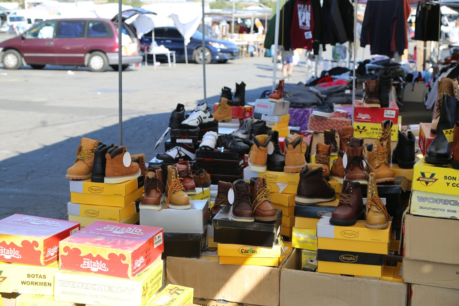 La County College Swap Meet Is Held Every Saay And Sunday From 9 330pm In The Open Air Parking Lot At Los Angeles 4133 Marathon St