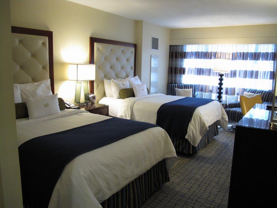 Crowne-Plaza-Rooms