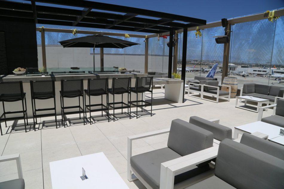lax-outside-lounge