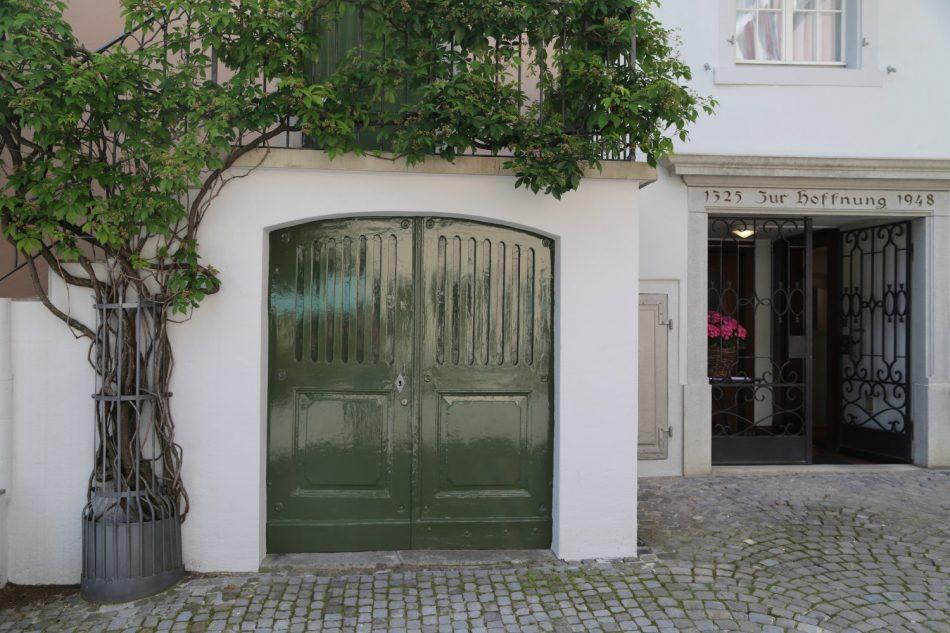 zurich-doorway