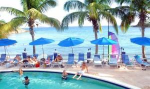 Bolongo bay pool