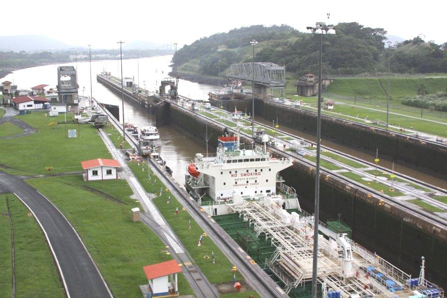 locks-panama-canal