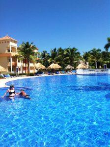 DR-Punta Cana- Bahia Principe Baravo- Quiet Pool2