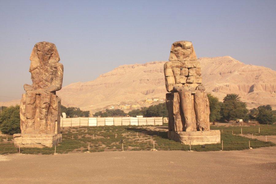 luxor-statues