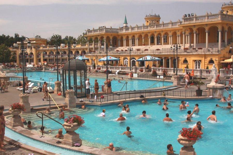 hungary-budapest-baths