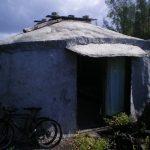 cliffside-yurt-hawaii