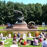 Warsaw-Fryderyk-Chopin-Monument-Tomasz-Nowak