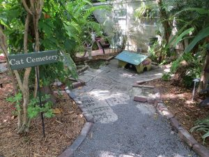 Hemingway-House-cat-cemetery
