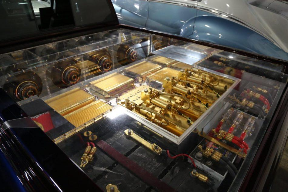 Gold plated sound system in Oscar de la Hoya's truck