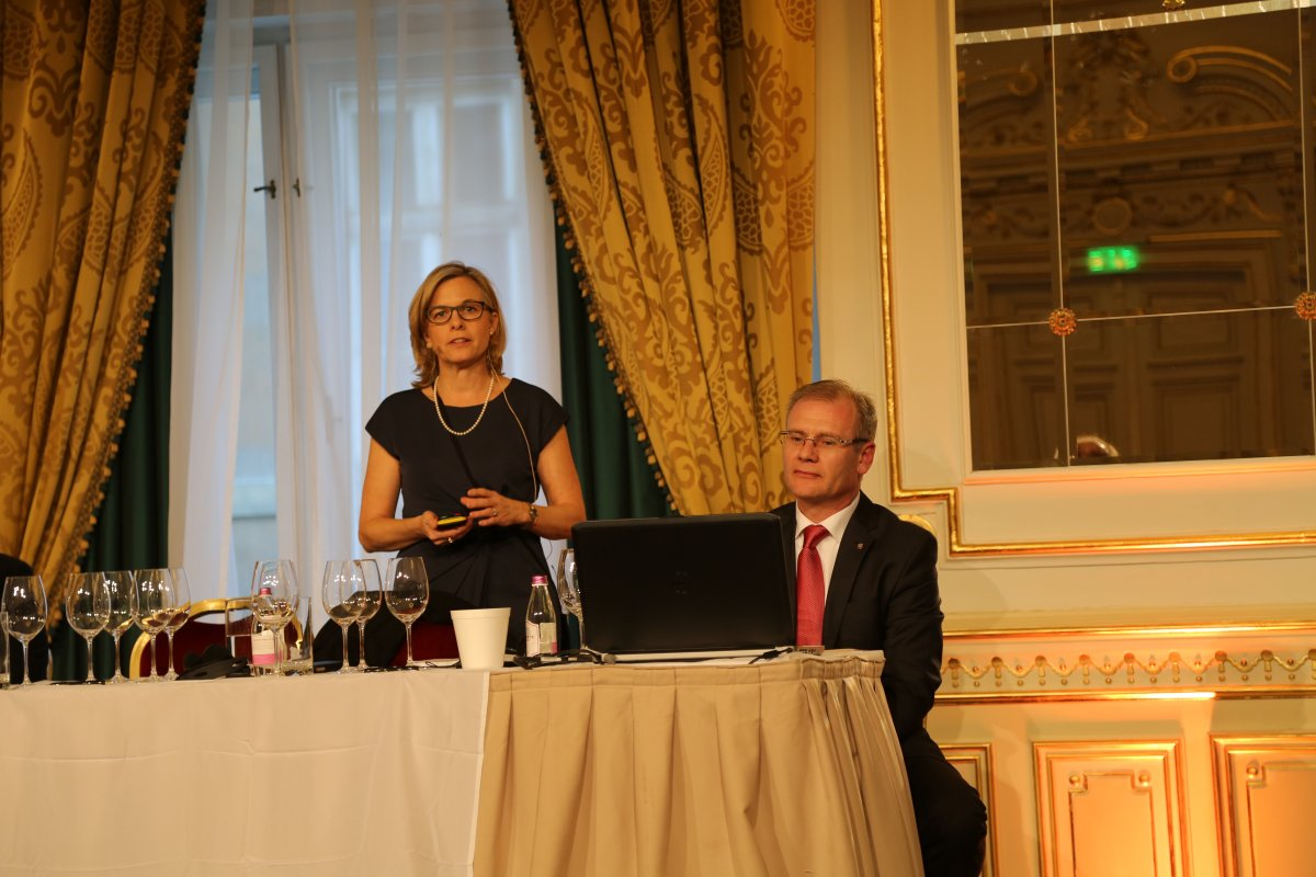 Claudia Schug giving a presentation on California wines