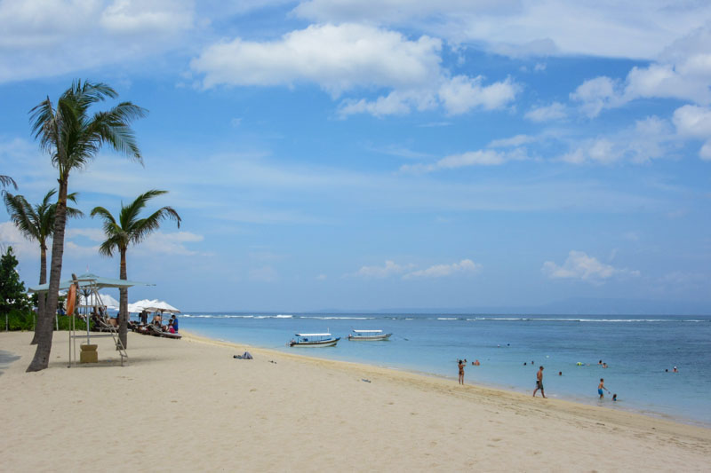 Bali-Indonesia-Relaxing (2)