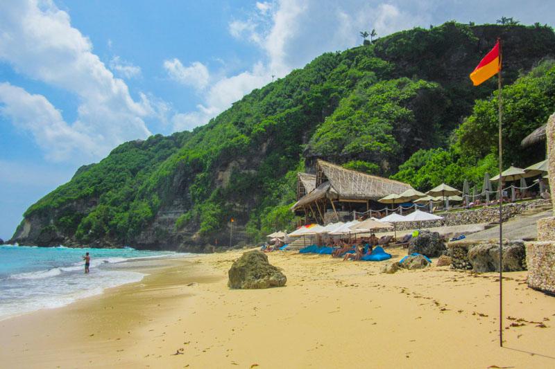 Finn's Beach Club beach