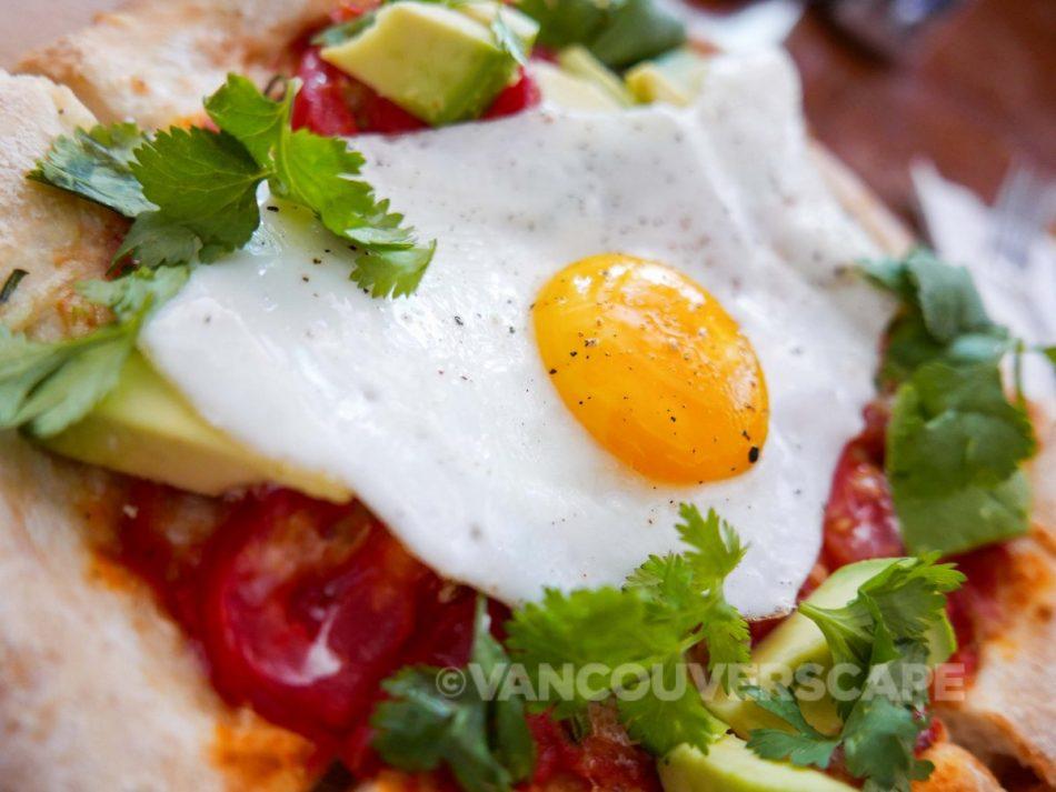 Café Parvis: breakfast pizza