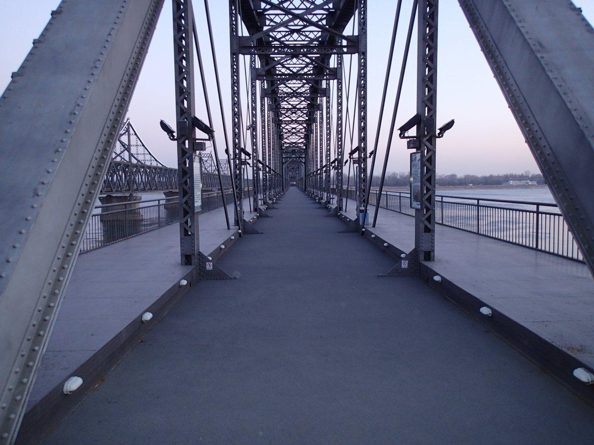 dandong-north-korea-bridge