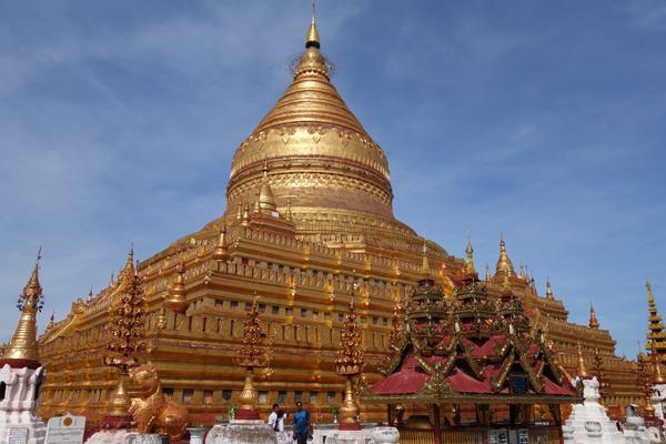 The golden summits of Shwezigon Pagoda