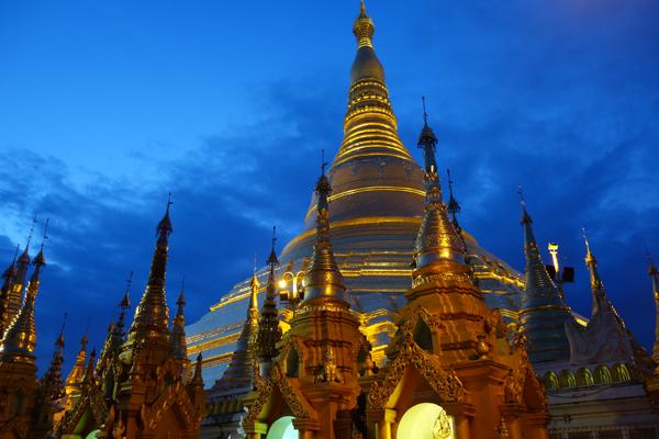 Schwedagon, in twilight's golden glow