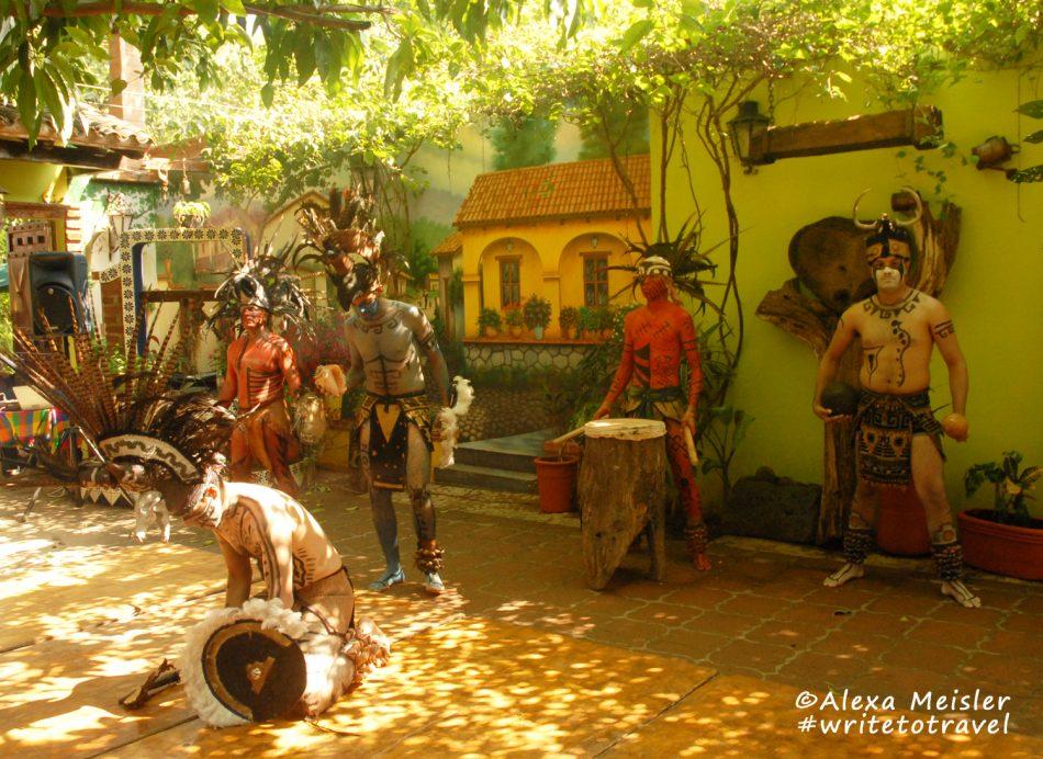 el-quelite-mexico-los-Laureanos-restaurant-warrior-show