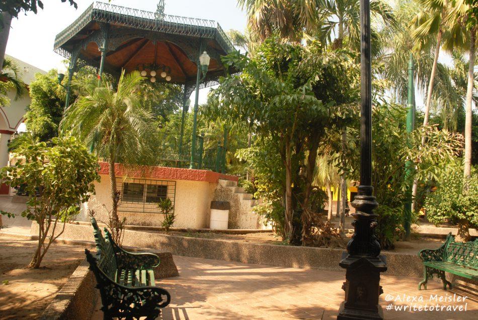 el-quelite-mexico-town-square