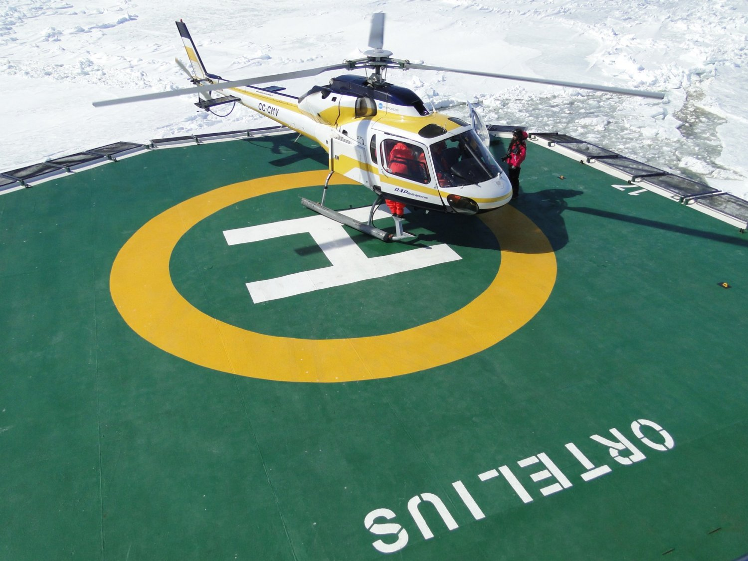 Helicopter on board m/v Ortelius Credit: © Oceanwide Expeditions, Hans Murre