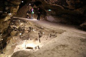 areni-1-winery-cave-armenia (1)