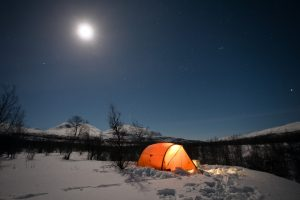 camping-in-the-snow