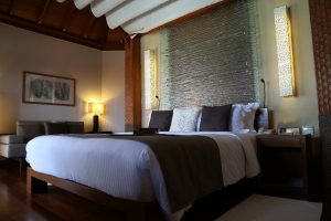 water-villa-bed-baros