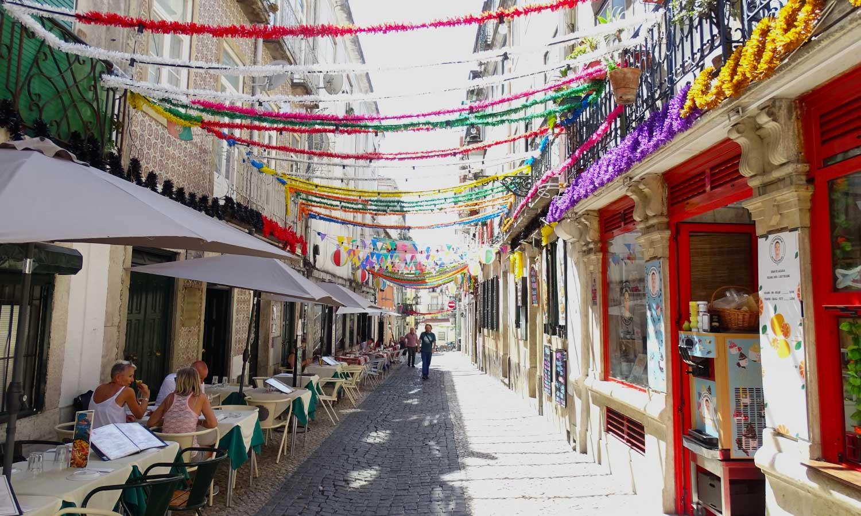 Shows outdoor Bairro Alto restaurants - Eating out tips for Lisbon